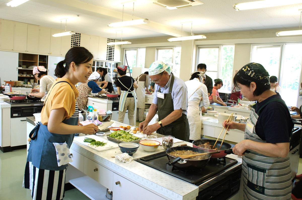 公開講座「食文化と地域貢献」